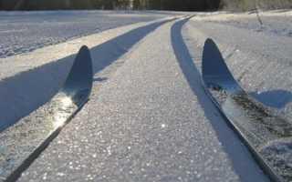 Отличие коньковых ботинок от классических. Чем отличаются классические лыжи от коньковых. Виды лыж и их различия