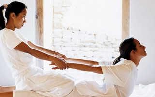 Как делают тайский массаж мужчине. Тайский массаж: польза и особенности проведения. Тайский массаж: что лечим